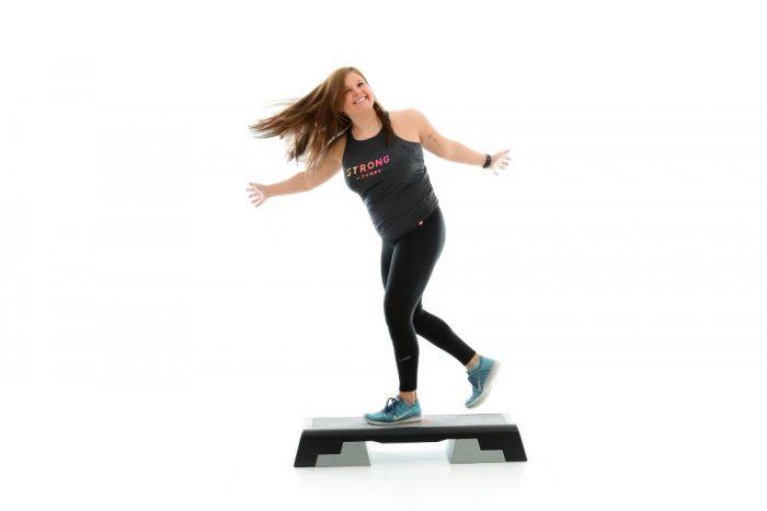 Marisa Rusch fit und fröhlich Step